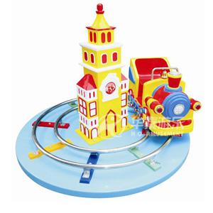 欢乐火车头游乐场设备 华秦专业生产游乐场设备 大厂家 品质有保障